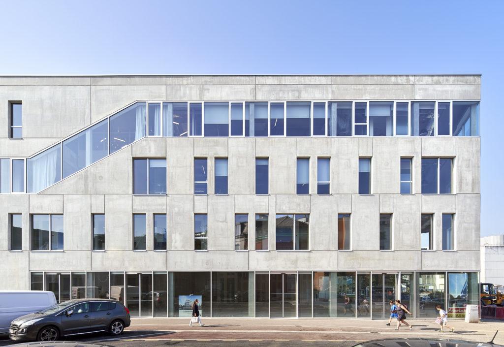 façade booking